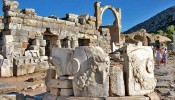 Pollio Fountain at Ephesus (4/11)