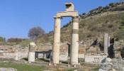 Prytaneion at Ephesus (7/12)
