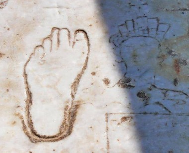 Footprint Sign for Brothel